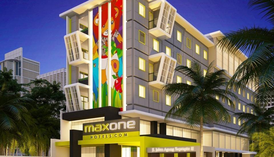 MaxOne Malang - Tampilan Luar Hotel