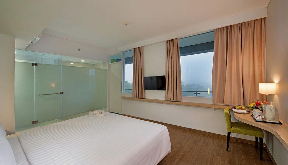 Whiz Hotel Bogor - SUPERIOR ROOM
