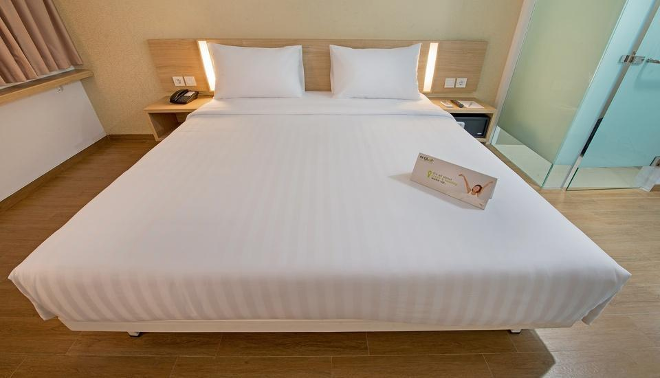 Whiz Hotel Bogor - Standard Double Room Only Regular Plan