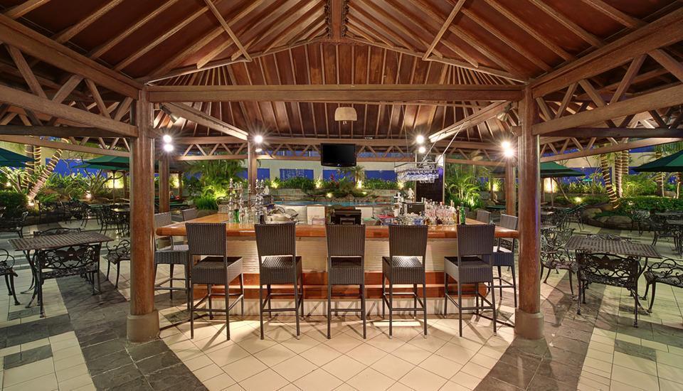 Hotel Ciputra Jakarta - Pulau Bar