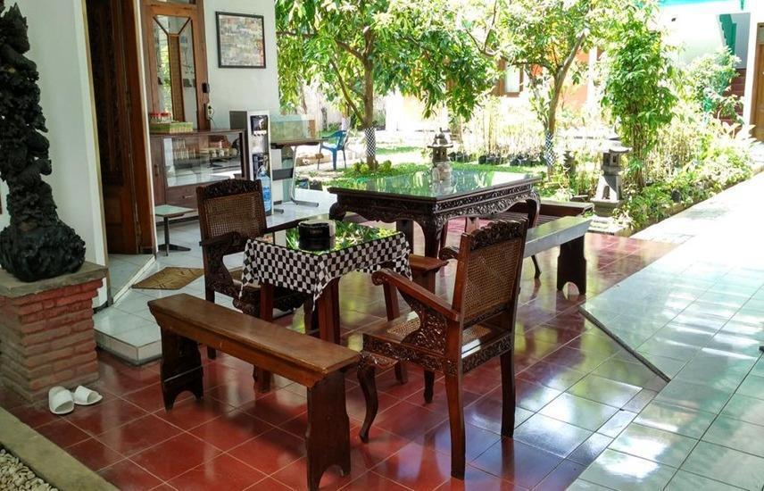 Ndalem Kilen Homestay Malang - Interior