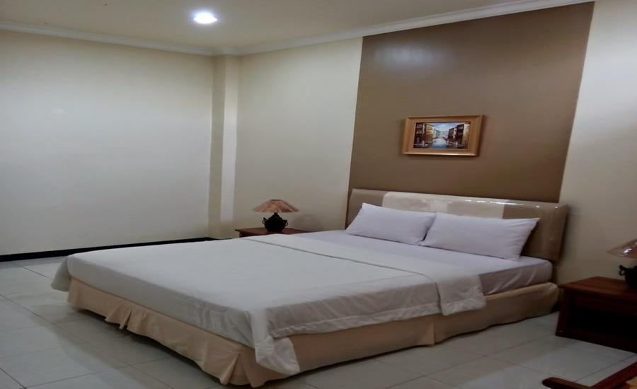 Hotel Limoes Mataram - Standard Room Regular Plan