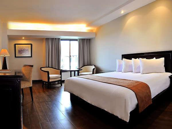 Hotel Santika Cirebon - Deluxe Suite Room King Regular Plan