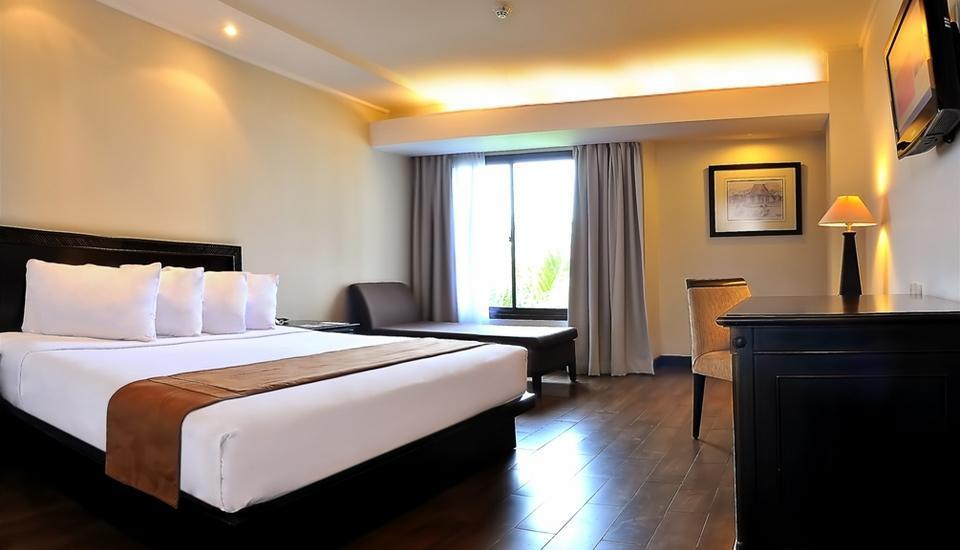 Hotel Santika Cirebon - Deluxe Room King Regular Plan