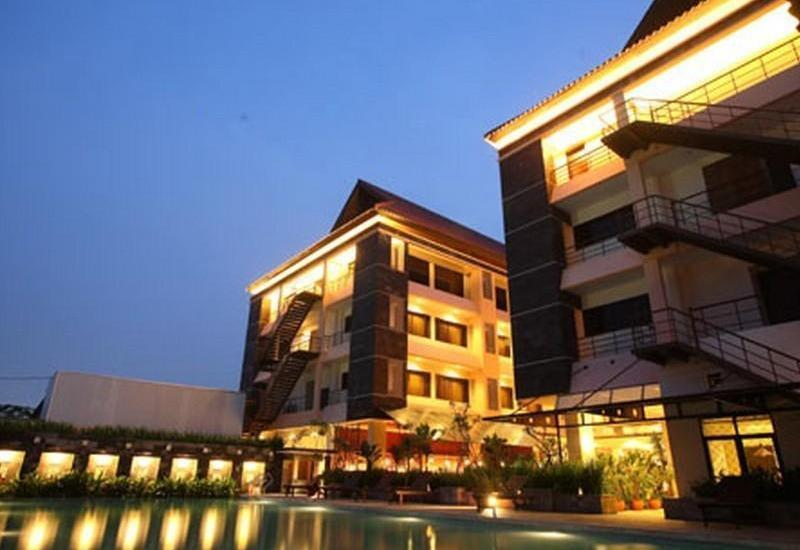 Bali World Hotel Bandung - Hotel Building