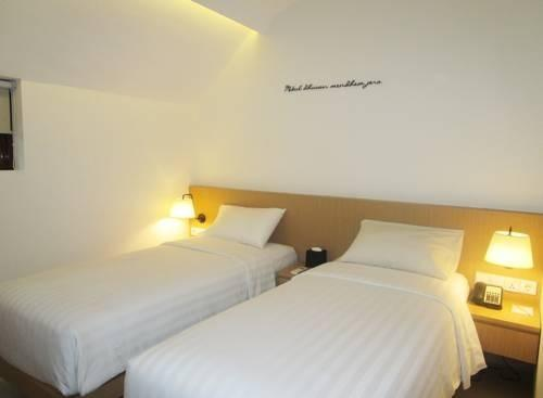 Namin Dago Hotel Bandung - Simple Twin Room Regular Plan
