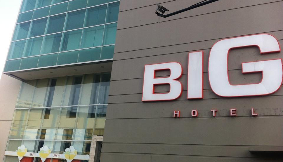 Big Hotel Jakarta - depan