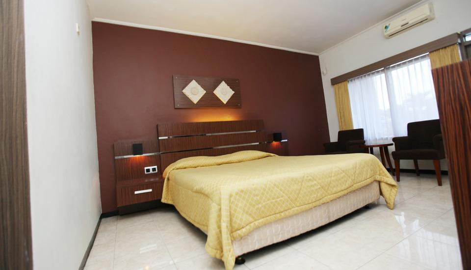 Ramayana Hotel Tasikmalaya - Deluxe Room With Breakfast Regular Plan