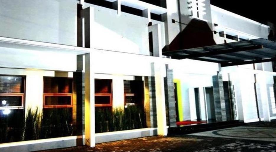 Ramayana Hotel Tasikmalaya - Exterior