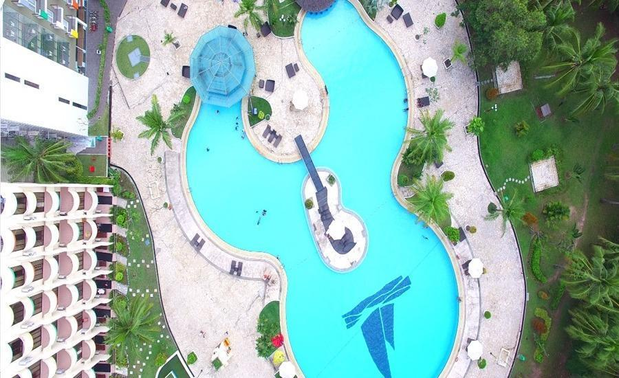 HARRIS Waterfront Batam - Kolam Renang