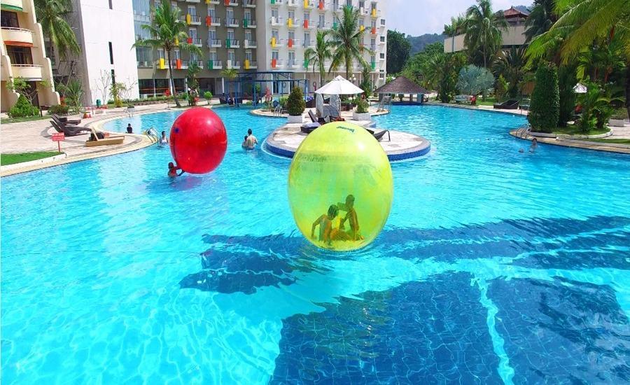 HARRIS Waterfront Batam - Kolam Bola Hamster