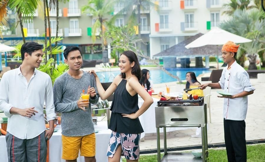 HARRIS Waterfront Batam - BBQ