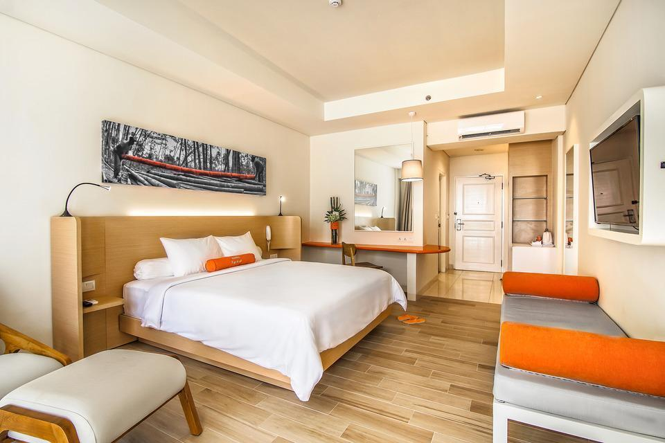 HARRIS Waterfront Batam -  HARRIS Beach Access Room Only Regular Plan