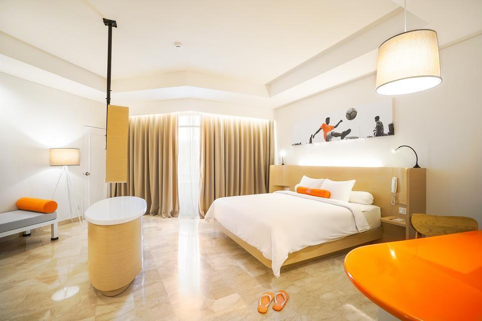 HARRIS Waterfront Batam - HARRIS Suite Room Only Regular Plan