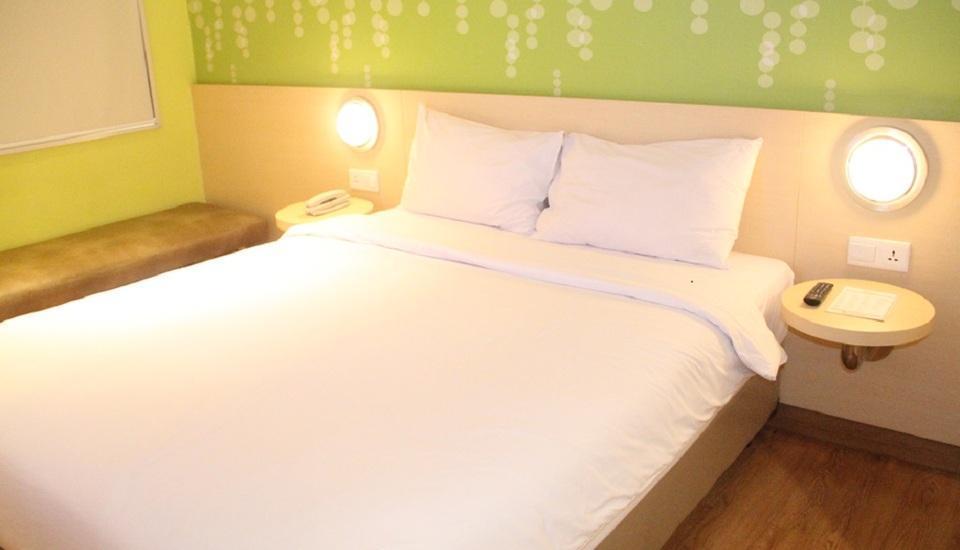 Zest Hotel Jemursari Surabaya - Zest Queen Room Only Regular Plan