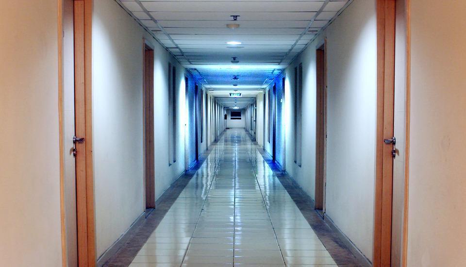 Two Nine Apartment Bekasi - Akses ke kamar