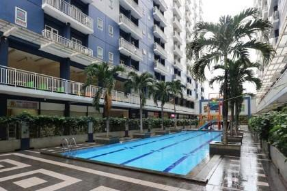 Two Nine Apartment Bekasi - swimming pool