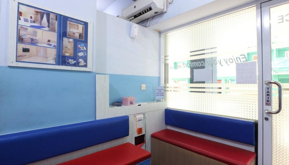 Two Nine Apartment Bekasi - receptionist 2