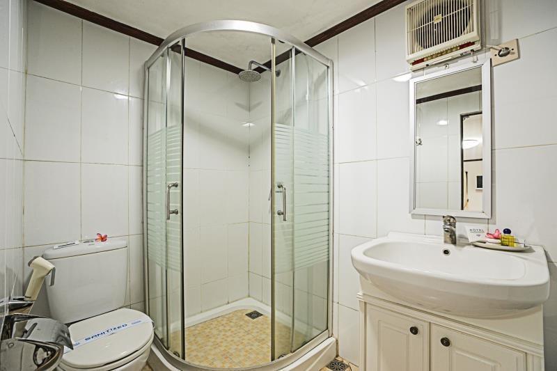 Royal Caravan Hotel Mojokerto - Deluxe Caravan  Regular Plan