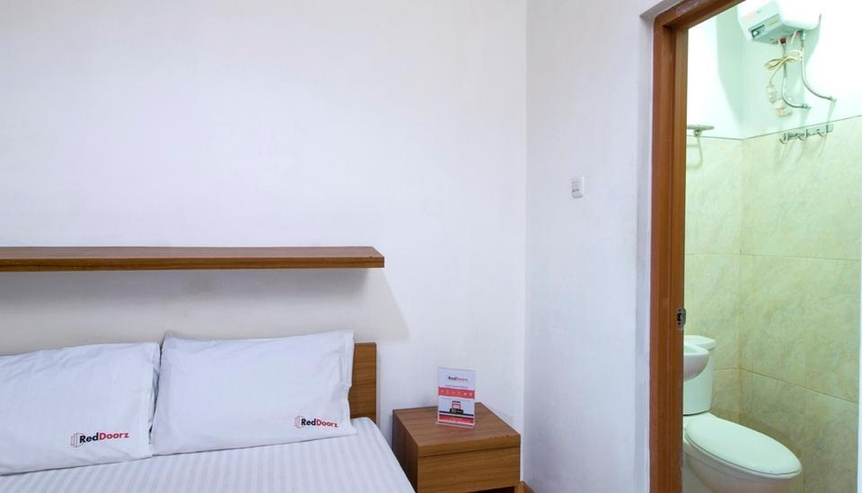 RedDoorz at Setiabudi - Reddoorz Room Regular Plan