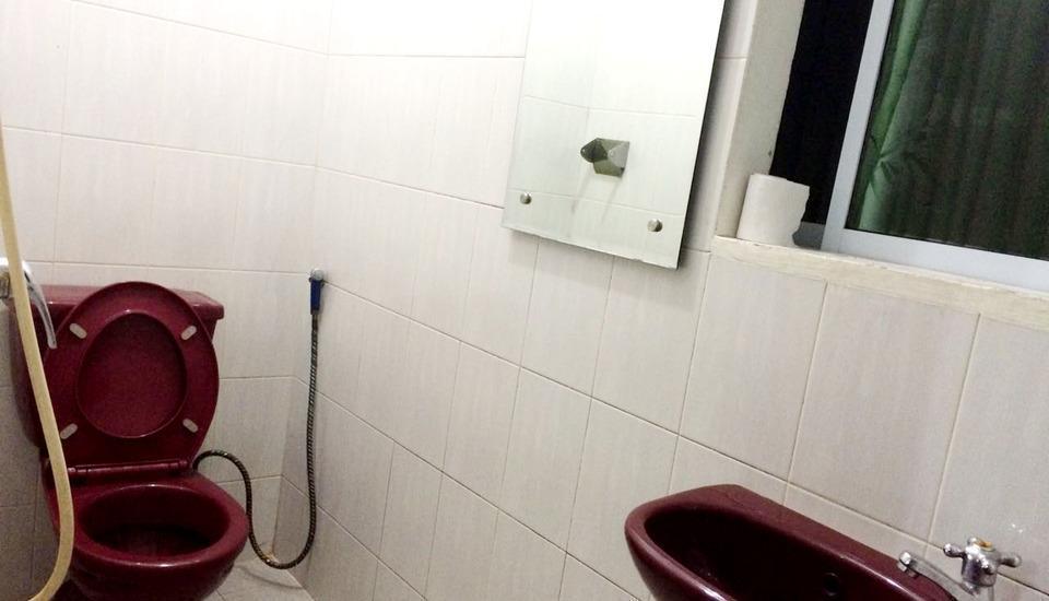 Grand Nagoya 68 Hotel Batam - toilet