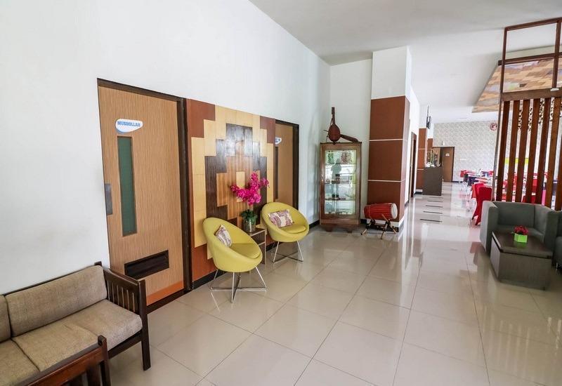 NIDA Rooms Makassar Dr Soetome Makassar - Pemandangan Area