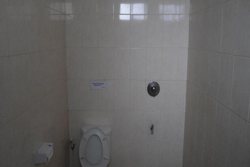 Ndalem Suratin Guest House Yogyakarta - Kamar mandi