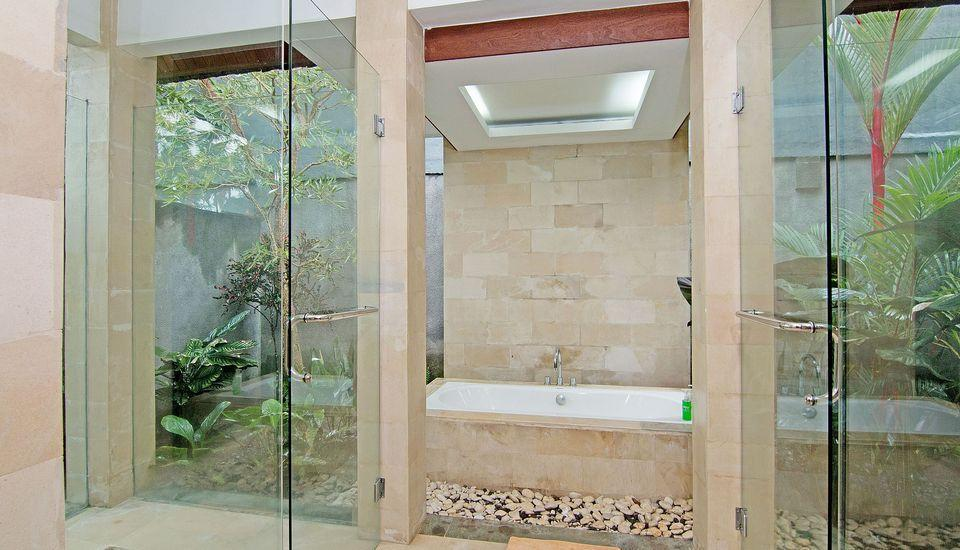 ZenRooms Pengosekan Ubud Villa Bali - Kamar mandi