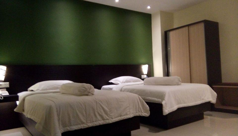 Hotel Gembira Bontang - Deluxe Twin Room Regular Plan