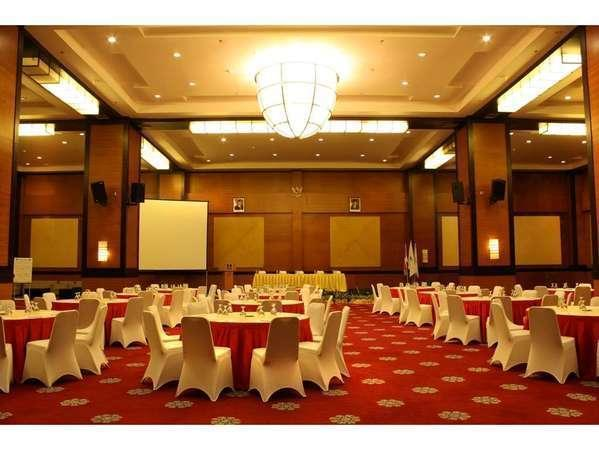 The Daira Hotel  Palembang - Ballroom