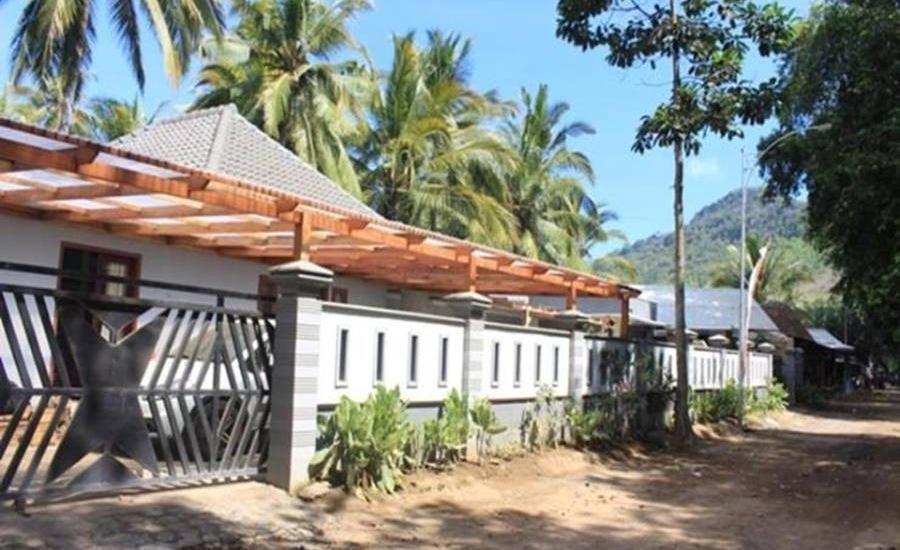 Red Island Jessi's Beach House Banyuwangi - Eksterior