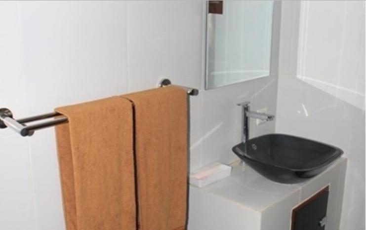 Red Island Jessi's Beach House Banyuwangi - Bathroom