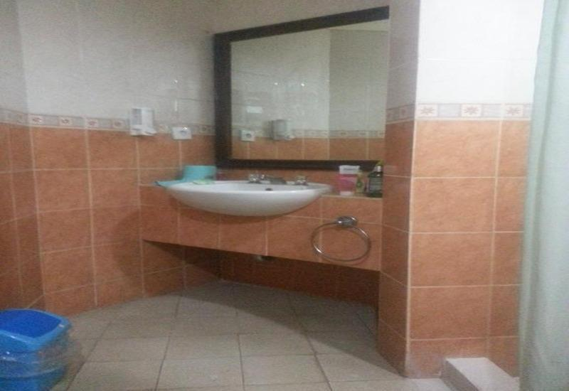 Private Apartemen @ Marbella Anyer Serang - Kamar mandi
