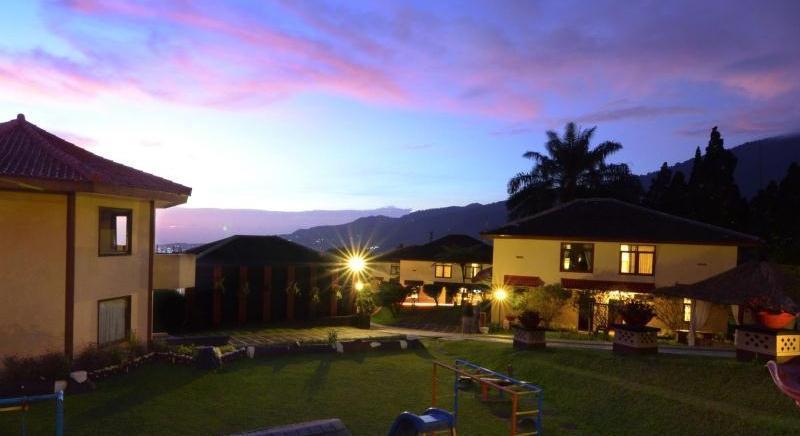 The Jayakarta Cisarua - Pemandangan malam