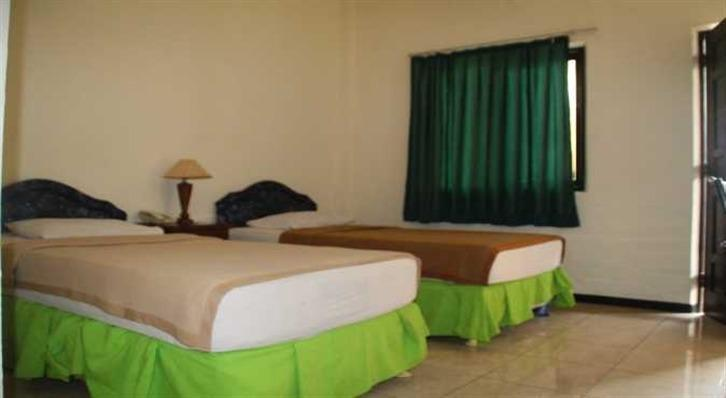 Hotel Sinar Bintang Bojonegoro - Guest room
