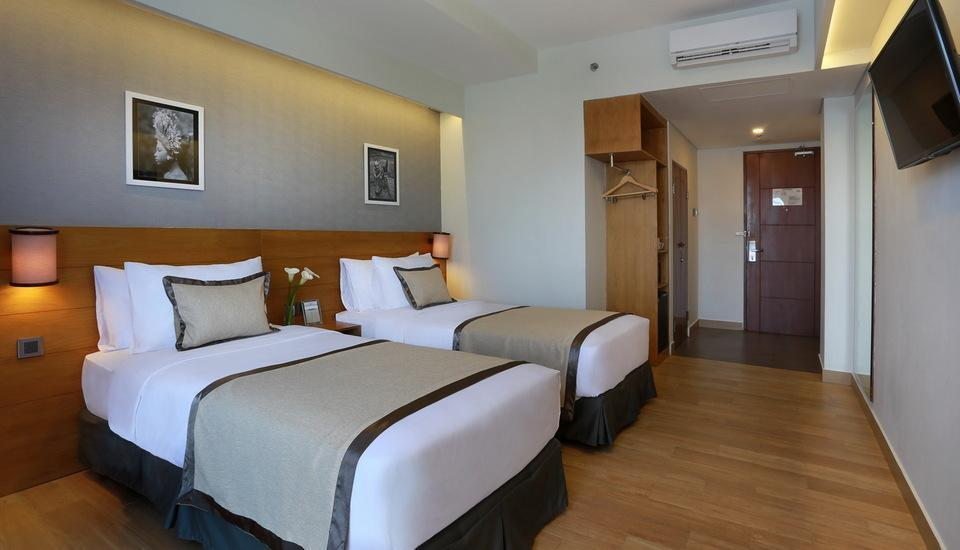 Golden Tulip Denpasar - Superior Room Twin Size Bed