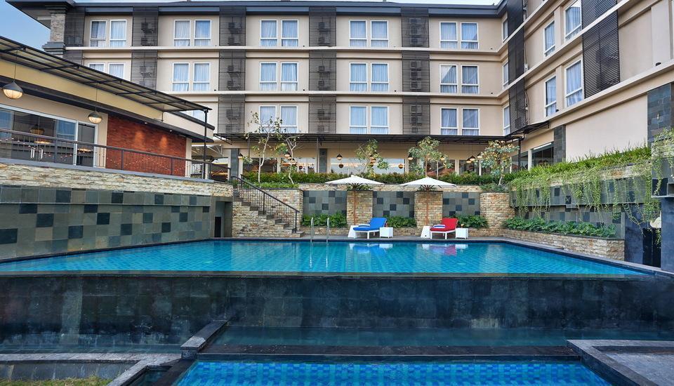 Golden Tulip Denpasar - Swimming Pool