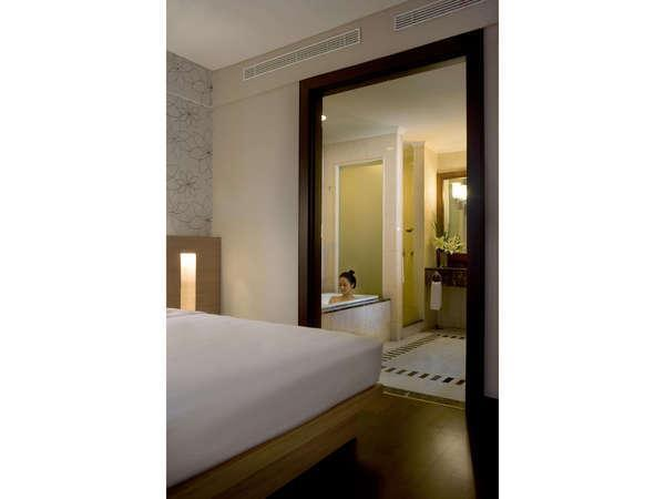 Hotel Santika Bandung - Deluxe Room with Bath up