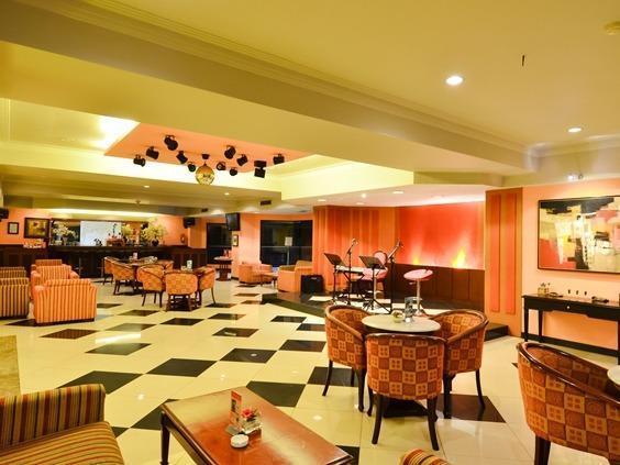 Garden Permata Hotel Bandung - Bar