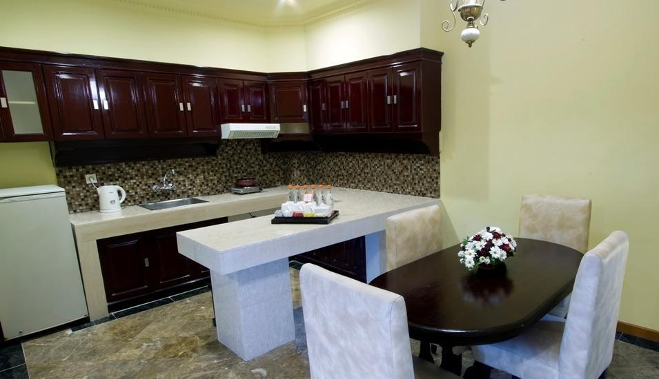 Garden Permata Hotel Bandung - Apartment Dining Room
