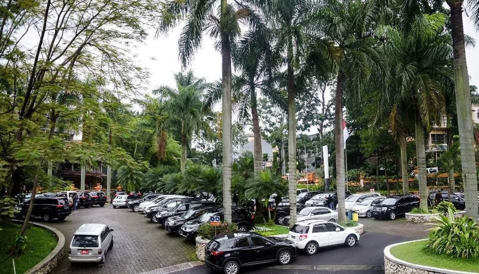 Garden Permata Hotel Bandung - Parkir hingga 300 kendaraan