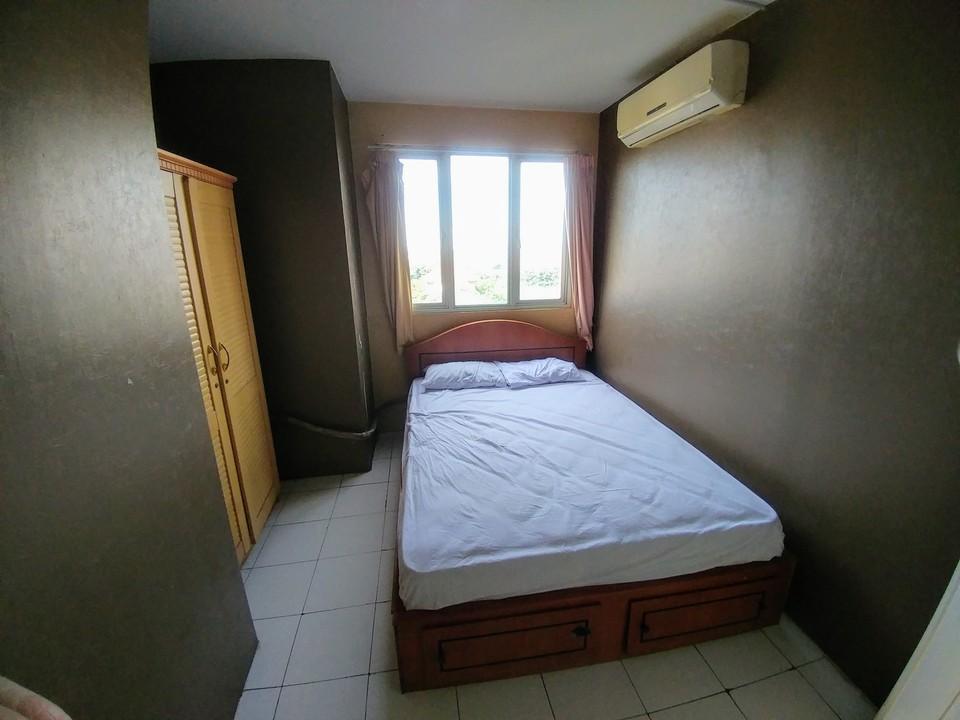 Snowy Wisma Gading Permai Jakarta - Small Room