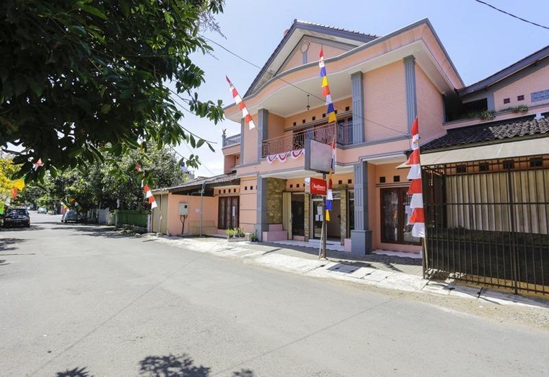 RedDoorz near Metro Indah Mall Bandung - Eksterior