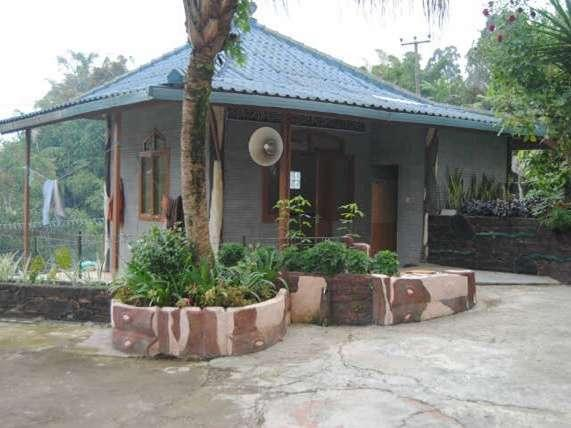 Villa Lembah  Cisampay - Musholla