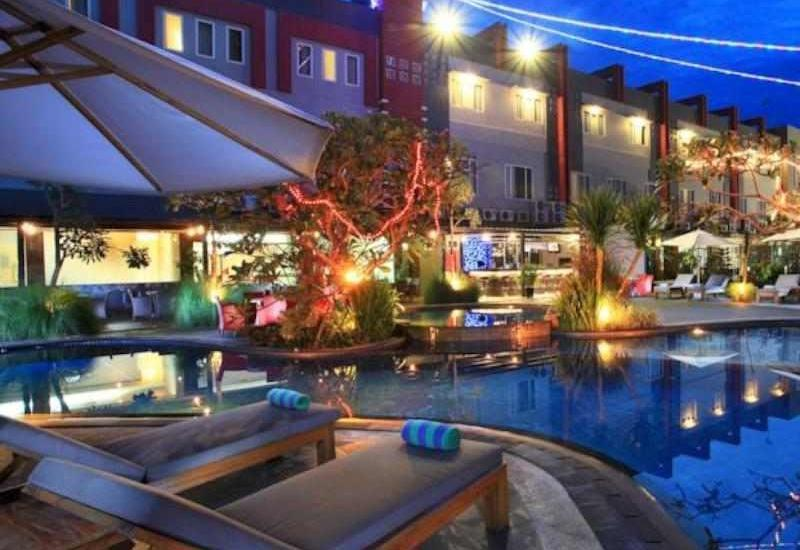 Swiss-Belhotel Kendari - Pool