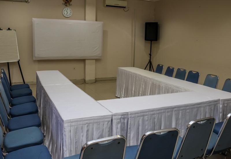 NIDA Rooms Otto Cicendo Trade Center Sumurbandung - Ruang Rapat