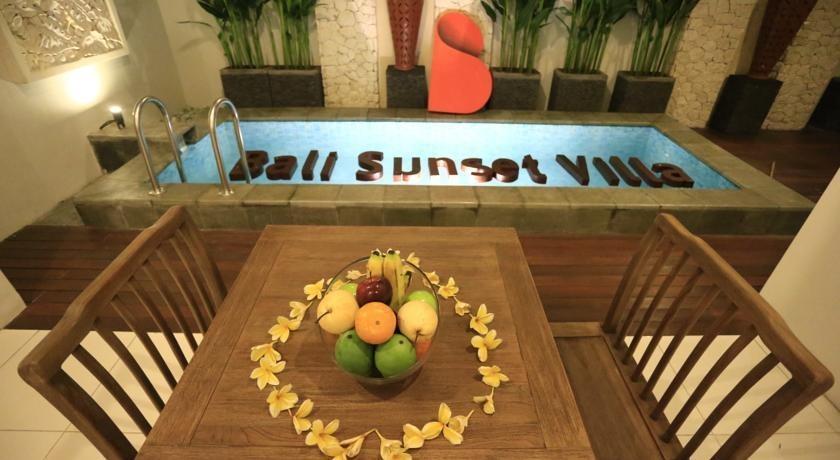 Bali Sunset Villa Bali - Meja Makan Suite