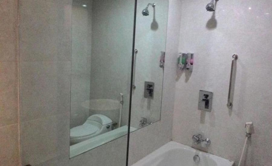 Hotel Kharisma 1 Madiun - Kamar mandi