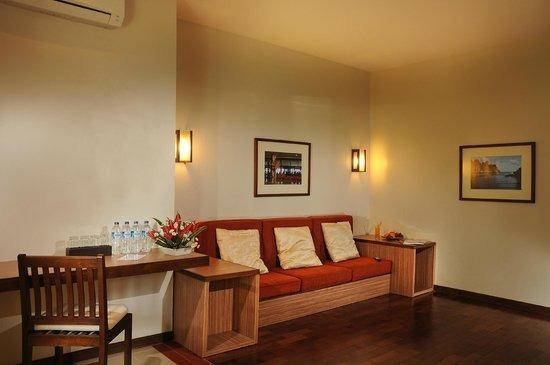 Tetirah Boutique Hotel Salatiga - Living Room