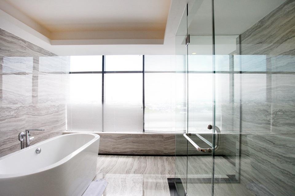 Grand Karlita Hotel Purwokerto Purwokerto - Bathroom President
